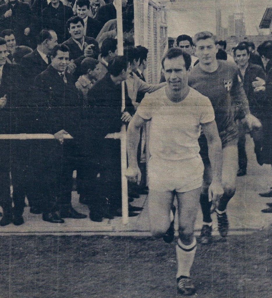 1965: Captain Takis Mantarakis leads South Melbourne Hellas out for a State League match at Middle Park, behind him is goalkeeper Sam Service.